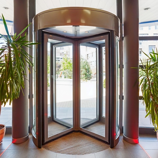 Automatic revolving door with diameter 1,80m to 3,60m