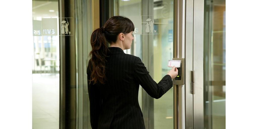 Въртяща врата с контрол на достъпа